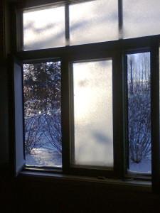 Huurtunnut ikkuna